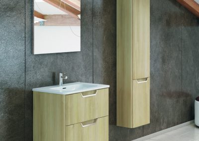 Mueble 60 + lavabo cerámico + espejo + luminaria led 461 €