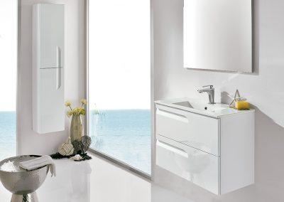 Mueble 80 + lavabo cerámico + espejo + luminaria led 410 €